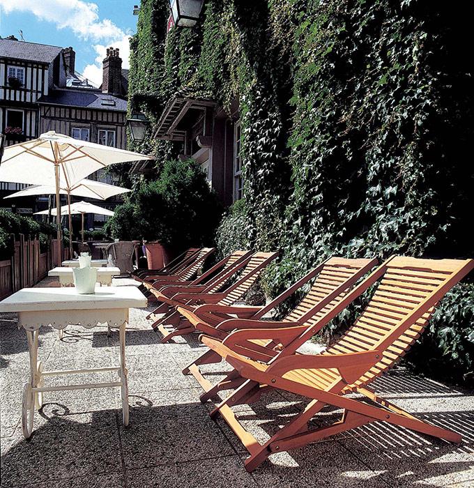 h tel spa les maisons de l a hotel in honfleur laag. Black Bedroom Furniture Sets. Home Design Ideas