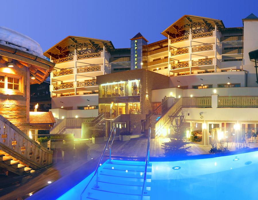 Alpine palace new balance luxus resort hotel in for Boutique hotel salzburg